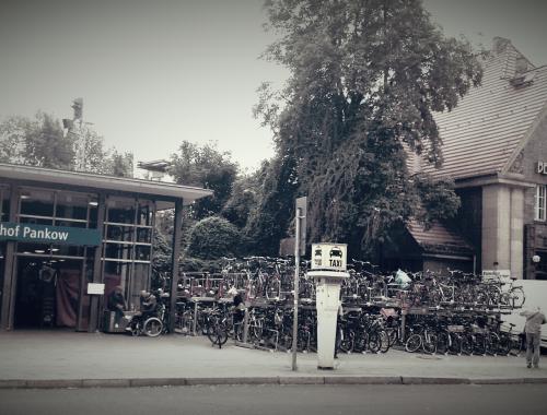 FahrradParkplatz Bahnhof Pankow
